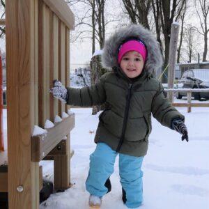 """Aktuelles """"Wintereinbruch"""" - Kind im Schnee"""