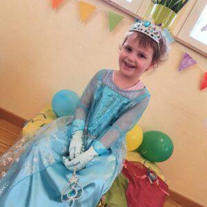 "Aktuelles ""Fasching"" - Mädchen als Prinzessin Elsa"