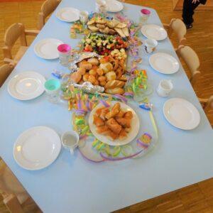"""Aktuelles """"Fasching"""" - Faschingsbuffet mit frischen Obst und Teigwaren"""