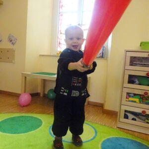 """Aktuelles """"Fasching"""" - Junge als Darth Vader verkleidet"""