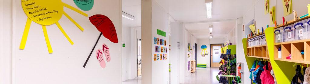 Flur des BRK-Kindernest | Foto: Studio Thomas Köhler im Auftrag der Container Rent Petri GmbH
